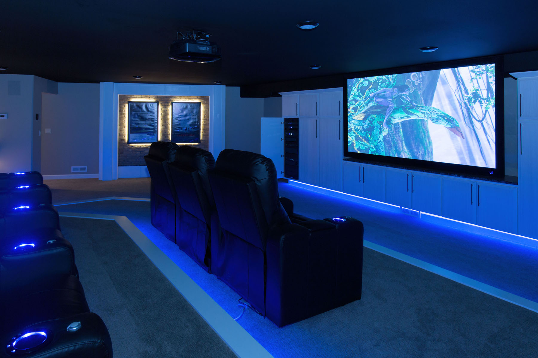 a beginner s guide to home theater systems. Black Bedroom Furniture Sets. Home Design Ideas
